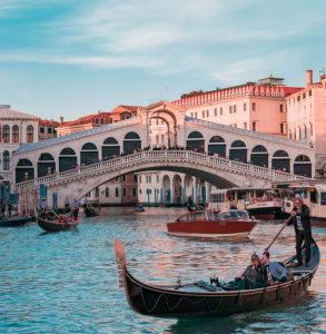 Mietwagen & Auto Mieten Flughafen Venedig-Marco Polo
