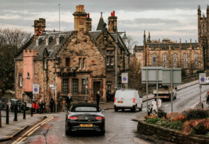 Die atemberaubendsten landschaftlichen Fahrten und epischen Straßen in Schottland